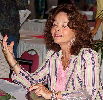 Linda Moulton Howe �Earth